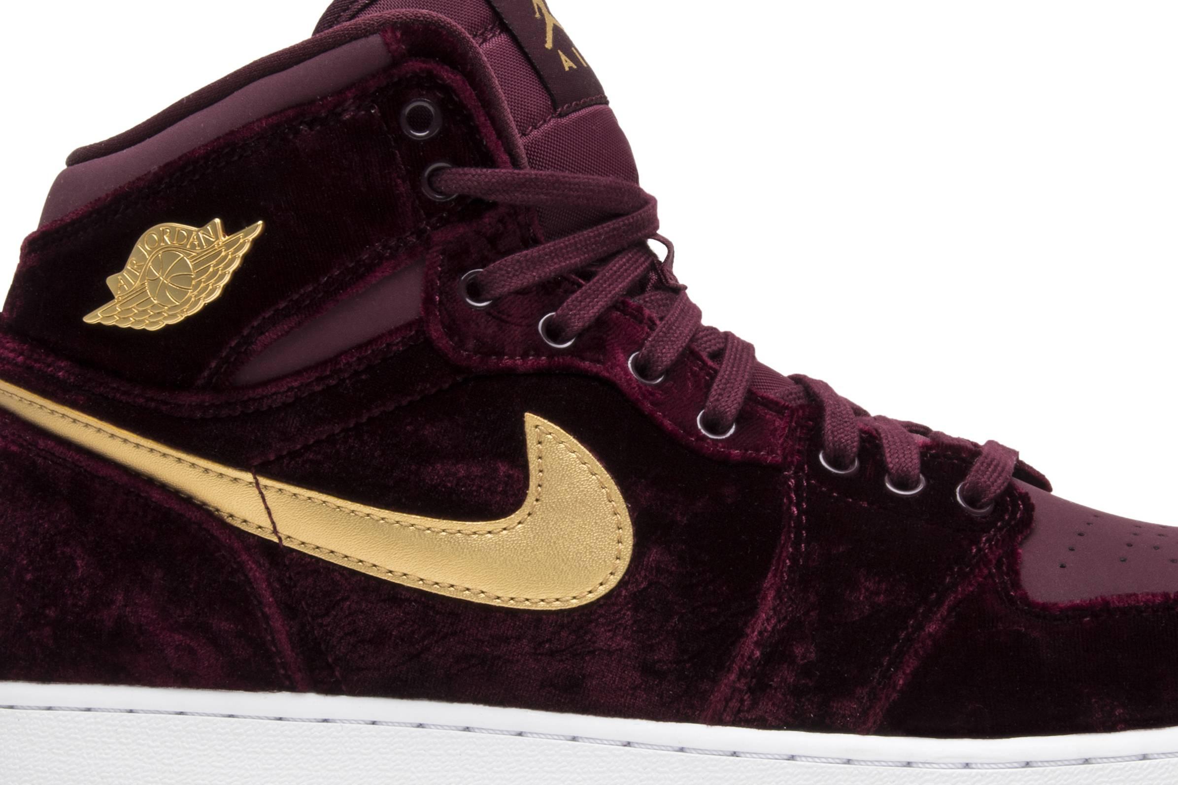 9f20861f3c29 ... 73358 02.jpg.jpeg 1531249220  Nike Air Jordan 1 Retro Velvet Royal Blue  Gold Unisex Shoes 832596 ...