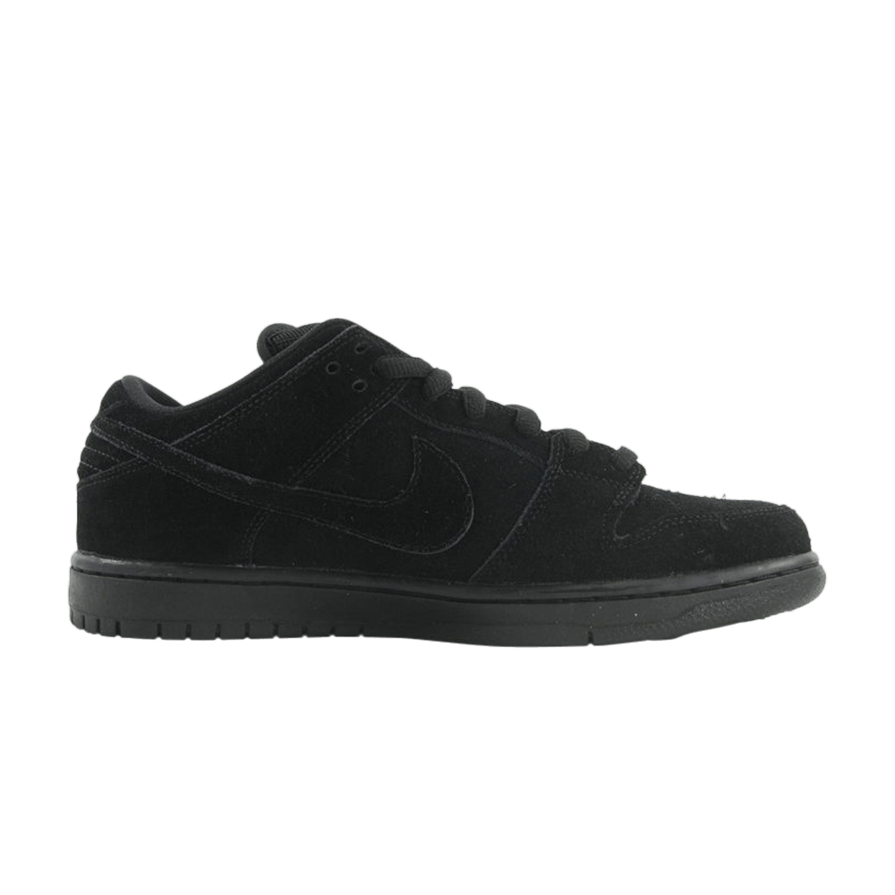 215ded363173 Dunk Low Pro SB  Blackout  - Nike - 304292 023