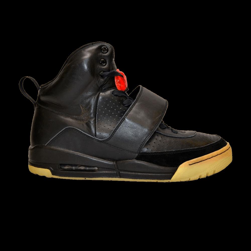 sports shoes f0613 83f7f Air Yeezy Grammy Prototype - Nike - FA08 URBAN 707 69586  GO