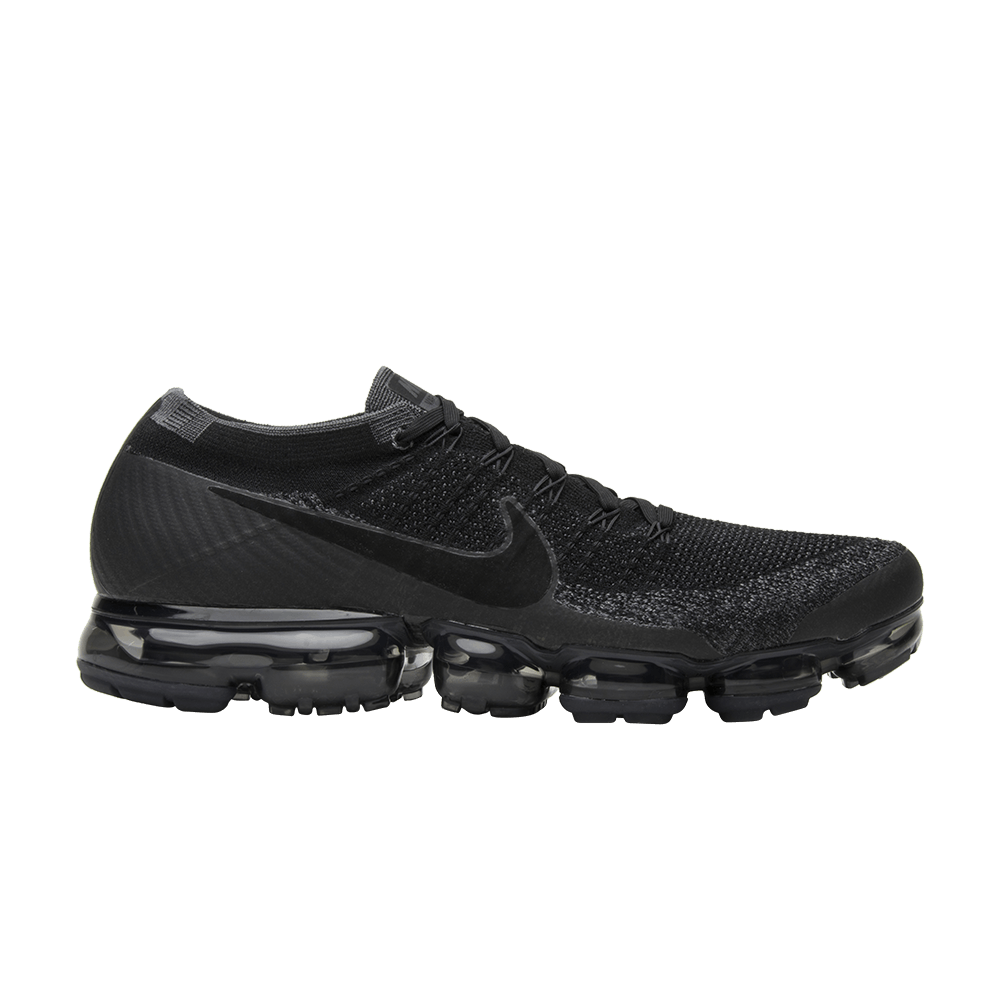 25b143bf7c4b Air VaporMax  Triple Black  - Nike - 849558 007