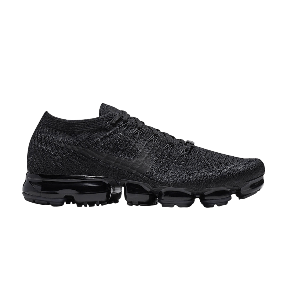 ef1dd78106555 Air VaporMax  Triple Black  NikePlus Exclusive - Nike - AT9789 001 ...