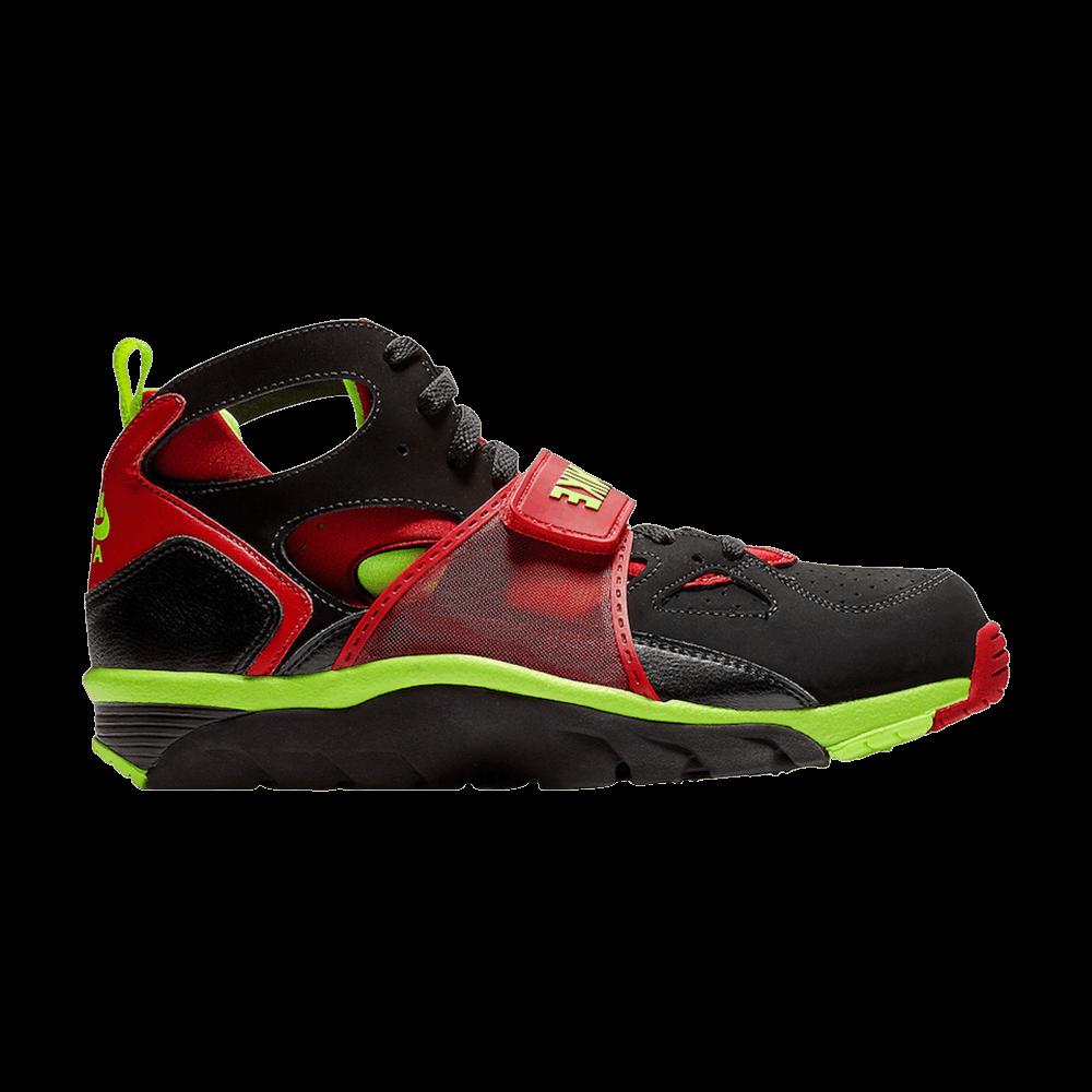 86e2b16723d Air Trainer Huarache  Red Volt  - Nike - 679083 020