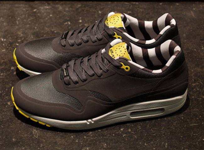 timeless design 2b585 1dda1 ... Air Max 1 Paris Qs . ...
