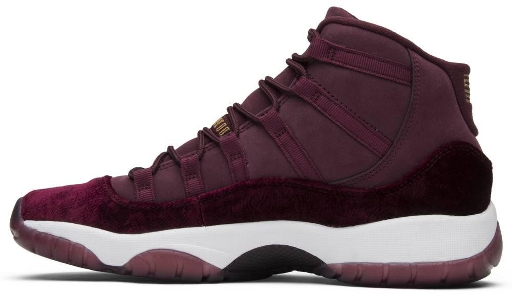 Stuperstar Nike Air Jordan  Retro Velvet Womens Shoes