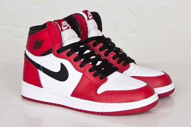 the latest cd1fa ce1be Air Jordan 1 Retro High OG GS  Chicago  2015