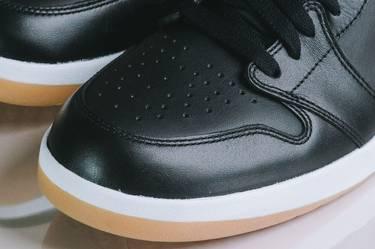 competitive price 9878e 65fff Air Jordan 1.5  Black Gum