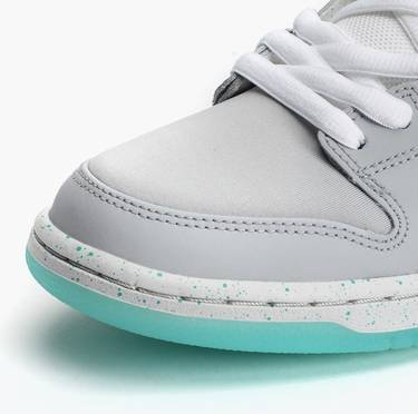 3135adfe166d SB Dunk Low  Marty McFly  - Nike - 313170 022