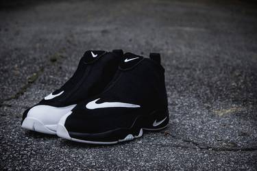 newest d3727 eab89 Air Zoom Flight  The Glove . Nike reissues Gary Payton s ...