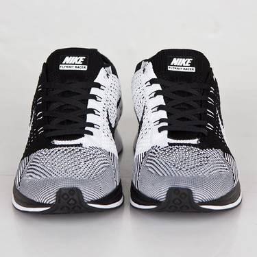 6a8499d9ec2e7 Flyknit Racer  Black White  - Nike - 526628 002
