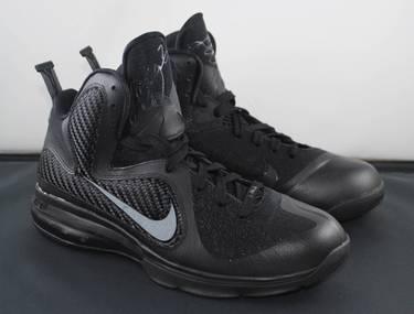 e49a2ec4e480 LeBron 9  Blackout  - Nike - 469764 001