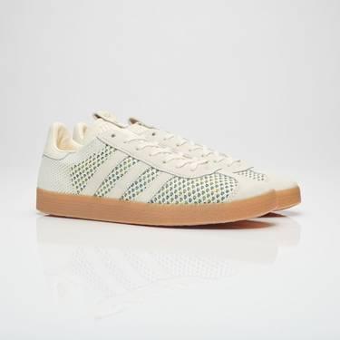 low priced bbdc2 ee544 Sneaker Politics x Gazelle PK  Mardi Gras