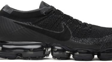 0cc0462a9 Air VaporMax  Triple Black  - Nike - 849558 007