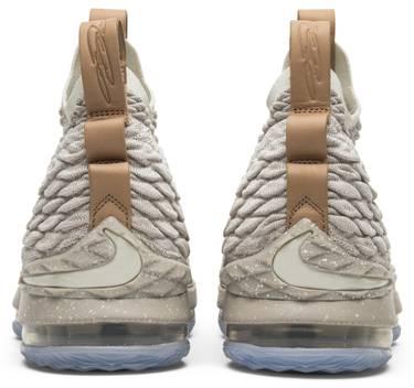 e42c2ace71e0c LeBron 15  Ghost  - Nike - 897648 200