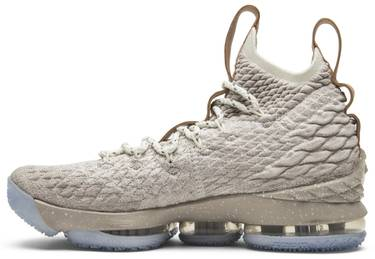 the best attitude cd597 cf0a3 LeBron 15 'Ghost'