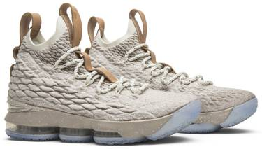 the best attitude bde46 a1406 LeBron 15 'Ghost'