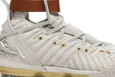 b7f992484629 HFR x Wmns LeBron 16  Harlem s Fashion Row  - Nike - BQ6583 100