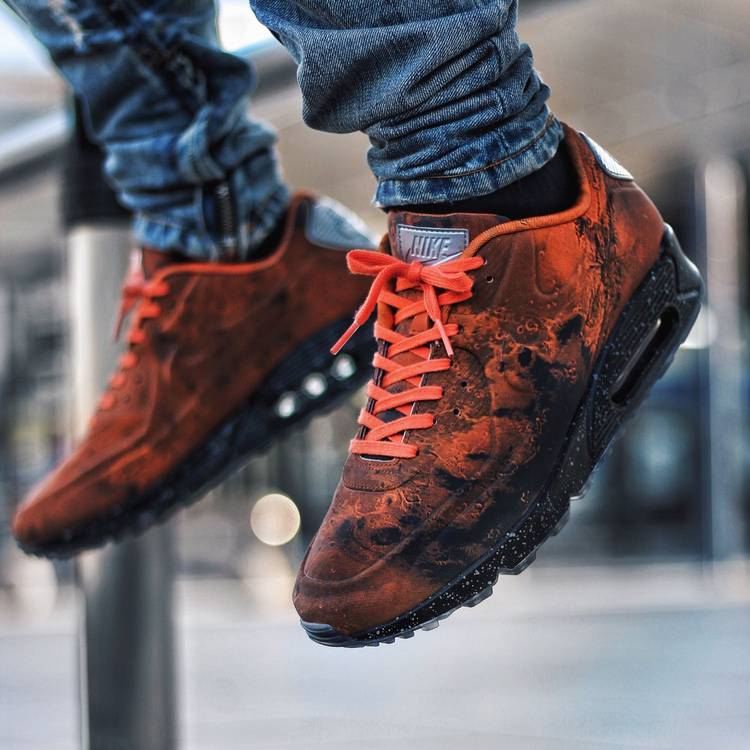 nike air max 90 mars landing on feet - photo #19