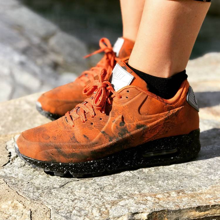 nike air max 90 mars landing on feet - photo #10