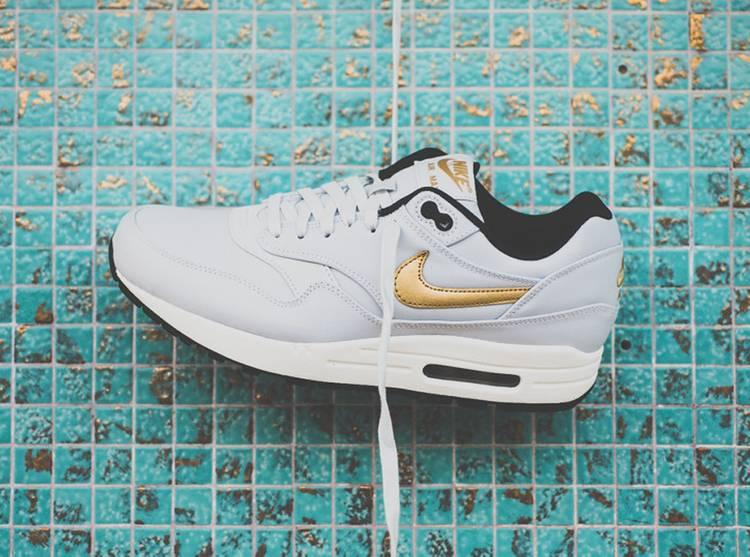 665873 001 Nike Air Max 1 Premium Gold Trophy Pack