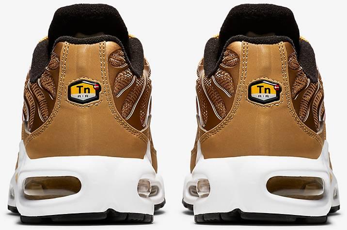Wmns Air Max Plus QS  Metallic Gold  - Nike - 887092 700  522e269f94