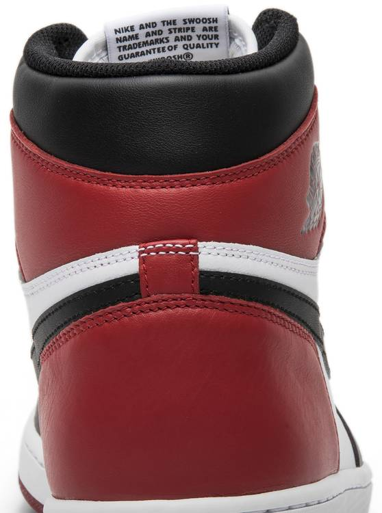 Air Jordan 1 Retro High OG 'Black Toe' 2016