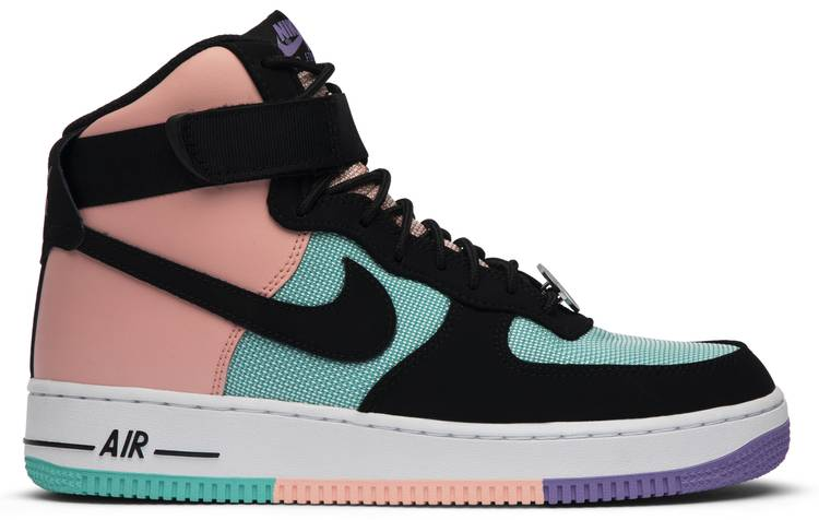 Nike Air Force 1 spento