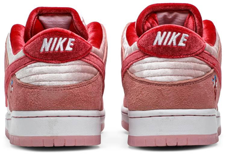 Nike StrangeLove x Dunk Low SB 'Valentine's Day'