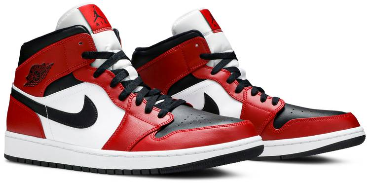 Air Jordan 1 Mid Chicago Black Toe Air Jordan 554724 069 Goat
