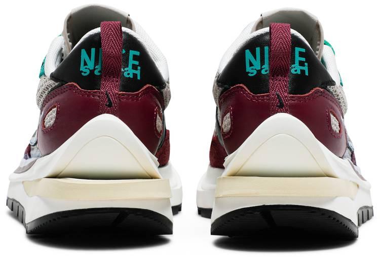 Nike Sacai x VaporWaffle SP 'Villain Red'
