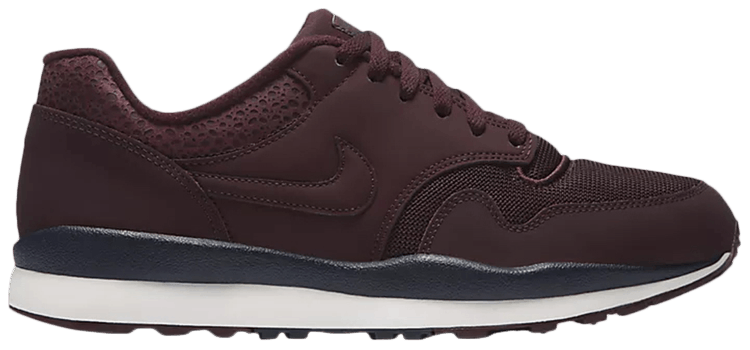 Air Safari LE  Burgundy Crush  - Nike - 371740 601  6a1dcf779